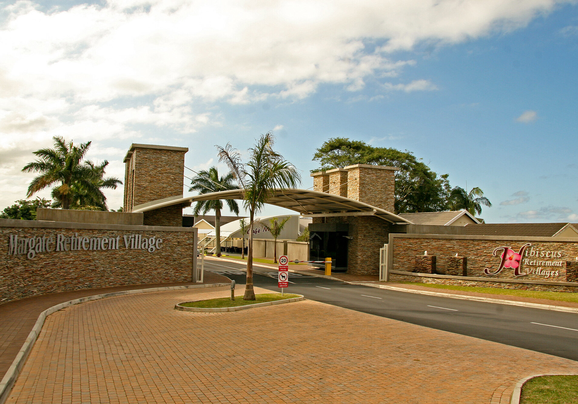 margate-village-entrance